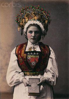 Norwegian Sunday: Bridal Crowns – Part V, Photography – Wings of Whimsy Folk Costume, Costumes, Norwegian People, Norwegian Clothing, Norwegian Vikings, Norway Viking, Viking Armor, Viking Braids, 1880s Fashion