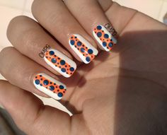 Orange and dark blue go well together, don't you think?