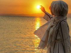 Grey Hijabi and sunset. Beautiful Muslim Women, Beautiful Hijab, Abaya Fashion, Muslim Fashion, Fashion Muslimah, Hijabs, Hijab Dpz, Islamic Girl, Hijab Fashionista