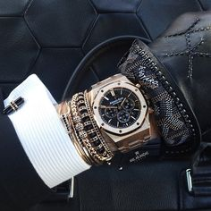 Goyard gloves X @bybalr bag X Anil Arjandas Jewels X Audemars Piguet from @maganijewels . Have a great rest of your day!!!