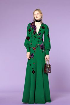 The complete Andrew Gn Pre-Fall 2018 fashion show now on Vogue Runway.