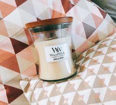 On rêve tous d'une petite sieste d'après déjeuner, confortablement installé dans son canapé avec sa bougie parfumée WoodWick à la vanille.... Mmmhh.... 🌬 (📷@fullcosplay) ・・・ #candle #woodwick #crackle #vanilla #vanillabean #happy #geometric #pastel #decoration #rose #poudre #rosepoudre #vanille #douceur #coussin #maisondumonde #love #candle #fragrance #perfume #parfum #break #pause #dejeuner #shabby #lifestyle #blog #blogger