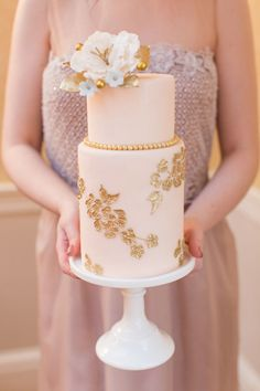 rose & gold pearls wedding cake