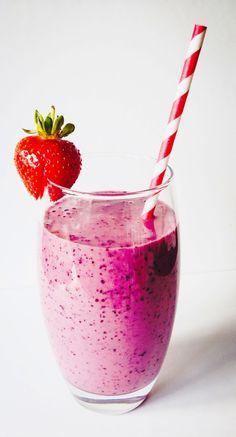 Strawberry, Blueberry & Apple Smoothie in Kenwood 2 Go Sport - Jo's Kitchen