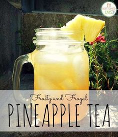 Save money and cut sugar with this simple, delicious DIY fruity pineapple tea recipe! Save money and cut sugar with Best Iced Tea Recipe, Iced Tea Recipes, Fruit Tea Recipes, Sweet Tea Recipes, Punch Recipes, Drink Recipes, Smoothie Drinks, Detox Drinks, Healthy Drinks