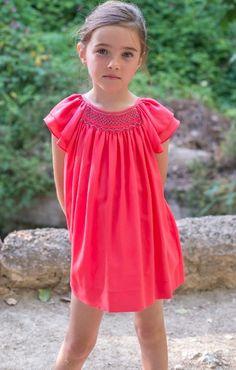 Plumeti Rain, os invito a conocer esta nueva marca > Minimoda.es Beautiful Little Girls, Cute Little Girls, My Little Girl, Toddler Fashion, Girl Fashion, Smocking Baby, Punto Smok, Kids Frocks, Kids Outfits