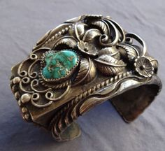 Signed-Museum-Quality-Heavy-Gauge-Vintage-NAVAJO-Turquoise-Coral-CUFF-BRACELET
