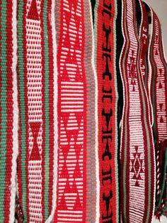 Tres Estrellas Design in Taos Weaving Loom Diy, Inkle Weaving, Inkle Loom, Card Weaving, Tablet Weaving, Weaving Art, Bead Loom Patterns, Crochet Patterns, Kilt Pattern