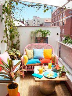 small terrace shape balcony furniture - Home Decoration Apartment Balcony Decorating, Apartment Balconies, Porch Decorating, Decorating Ideas, Decor Ideas, Apartments Decorating, Apartment Design, Apartment Ideas, Apartment Therapy