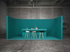 Meget simpelt set-up- inviter folk indenfor   HAY .dk// collection// in green