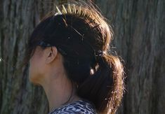 Get a little punk with a spiked hair comb. | 31 Pretty Hair Accessories You Can Actually Make