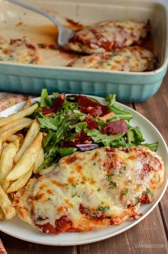The Ultimate Syn Free Pizza Chicken - For when you fancy pizza but don& have a Healthy Extra B choice free. All totally guilt-free and Gluten Free, Slimming World and Weight Watchers friendly Slimming World Dinners, Slimming World Chicken Recipes, Slimming World Recipes Syn Free, Slimming World Diet, Slimming Eats, Slimming World Healthy Extras, New Recipes, Dinner Recipes, Cooking Recipes