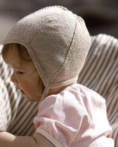 Strik for en god sag: Uldtrøje til baby Knitting For Charity, Baby Hats Knitting, Knitting For Kids, Baby Knitting Patterns, Baby Patterns, Knitted Hats, Crochet Pattern, Baby Barn, Baby Accessories