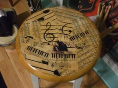 MODGE PODGE MY MUSIC STOOL IN THE STUDIO...VERY SIMPLE!