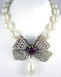 Gripoix - Bijoux - Chanel - Collier  Noeud  Bijoux Chanel, Noeud, Perles 4c543b06388