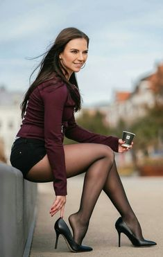 Women With Beautiful Legs, Lovely Legs, Great Legs, Top Photos, Pictures, Femmes Les Plus Sexy, Nylons And Pantyhose, Stockings Legs, Stockings Lingerie