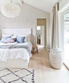 Chambre boho rétro scandinave | Bedroom inspo, Bedrooms and Bed room