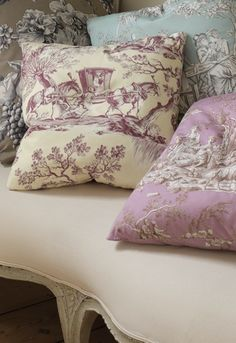 gorgeous toile - very unusual colors - really like this