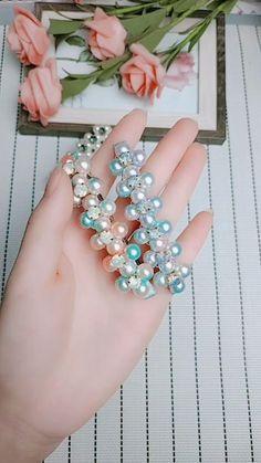 Diy Hair Bows, Diy Bow, Diy Ribbon, Bead Jewellery, Beaded Jewelry, Handmade Wire Jewelry, Diy Bracelets Easy, Diy Crafts For Gifts, Diy Headband