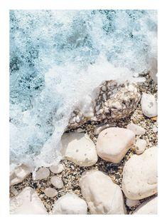 Rocky sea shore poster - 30x40