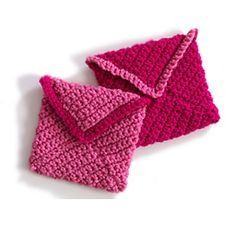 Your special someone will love these quick Valentine's Day envelopes! Featured in BK4K. (Lion Brand Yarn)