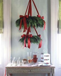 Christmas Table Centerpieces | Hanging Pine Wreath Christmas Decor | DIY Decor