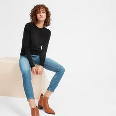 The Luxe Wool Crew. Elegant soft and slightly sheer this lightweight wool sweater has slim sleeves and a classic shape. It's made from Australian merino wool that's spun in Italy. Fashion 2017, Girl Fashion, Fashion Looks, Fashion Outfits, Womens Fashion, Fashion Trends, Cute Simple Outfits, Cool Outfits, Scandinavian Fashion