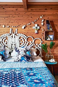 rtfully showcase your personal pieces on box shelves or under a glass cloche to highlight their beauty. Or make your own shell garland, using a drill and some fishing wire. #bedroom #colour