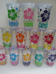 Hey, I found this really awesome Etsy listing at http://www.etsy.com/listing/114764226/6-personalized-acrylic-tumblers-beach