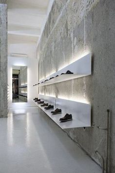 Retail Lighting La Scarpa, Sofia, simple white shelves and lights to display shoes. Design Shop, Shoe Store Design, Retail Store Design, Shoe Shop, Retail Stores, Shoe Stores, Design Commercial, Commercial Interiors, Retail Interior Design