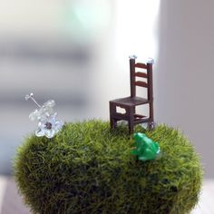 How to make a miniature fairy garden by Ashley Lucas for Spoonfulzine.