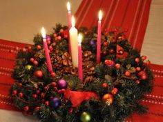 advent wreath pic from gingerbreadsnowflakes.com