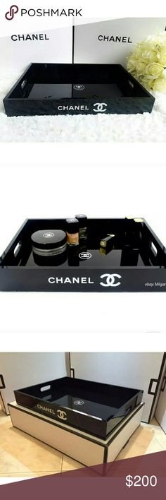 Chanel vanity tray Perfume/makeup/cosmetics Chanel perfume/cosmetics makeup vanity tray hundred percent authentic who is no authentic oh this is a VIP gift from Chanel brand-new in the box never used CHANEL Makeup