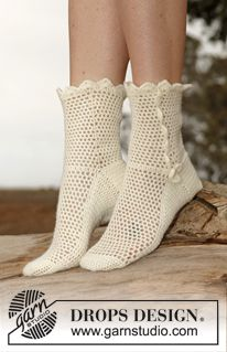 "Crochet DROPS socks in ""Fabel"". ~ DROPS Design"