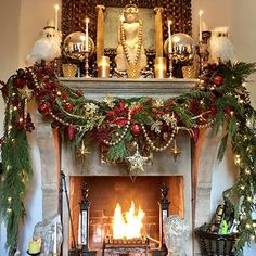 Natural Florals - Martyn Lawrence Bullard's Guide To Christmas Decor  - Photos