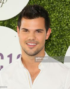 Taylor Lautner attends the 33rd Breeder's Cup World Championship on November 5, 2016 in Arcadia, California.