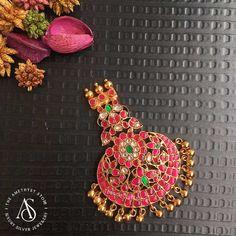 - Pendants - The Amethyst Silver Jewels Gold Earrings Designs, Jewellery Designs, Necklace Designs, Antique Jewelry, Beaded Jewelry, Silver Jewelry, Gold Locket, Gold Necklace, Amrapali Jewellery
