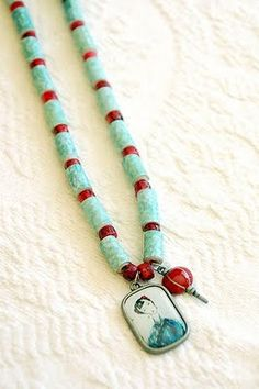 Recycled paper bead necklace #recycle #recycling #upcycle