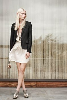 Club Monaco has a beautiful Spring line out...sure wish they had a shop in Luxembourg!