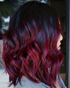 Si chiama rosso vin brulé, o mulled wine hair, la tendenza capelli più cool dell'inverno 2018. Pronte a sfoggiarla? Ecco tutto quello che c'è da sapere per una resa al top...