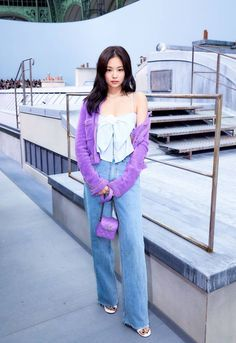 Photo album containing 7 pictures of Jennie Blackpink Fashion, Fashion Week, Korean Fashion, Fashion Outfits, Paris Fashion, Blackpink Jennie, Chanel Outfit, Kpop Outfits, Rapper