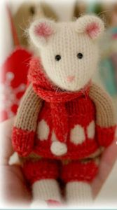 Knitting Pattern for Winter Tearoom Mouse - Patterns for girl and boy mouse in Scandiavian inspired winter clothes. Height: Knitting Pattern for Winter Tearoom Mouse - Patterns for girl and boy mouse in Scandiavian inspired winter clothes. Knitting For Kids, Free Knitting, Knitting Projects, Baby Knitting, Crochet Projects, Knitting Toys, Animal Knitting Patterns, Stuffed Animal Patterns, Crochet Patterns