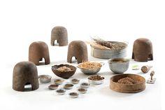 Adital Ela- Is de oprichter van S-Sense Design. De studio heeft drie uitgangspunten waar ze zich altijd aan vast houden: Planet, People en Value. Dit Terra Bio Furniture is gemaakt van organisch afval. Je ziet hier goed de uitgangspunten terug en ook de vorm past goed bij de gedachte achter het ontwerp.