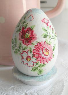 shabby Chic Easter Egg