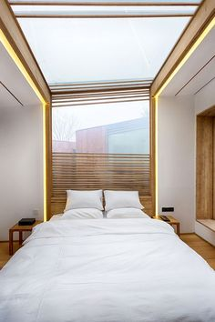 Completed in 2015 in Beijing, China. Images by Xia Zhi, Tingting HU, Liang ZHENG, Ying XING Team. WHY Hotel is a hot spring hotel located in the northeast Beijing suburb of Peking Backyard. ELEV/WEI Architects was initially hired to renovate an. 4 Bedroom House, Bedroom Sets, Bedroom Decor, Construction Bedroom, Lobby Interior, Bedroom Images, Wooden Cabins, Hotel Decor, Master Bedroom Design