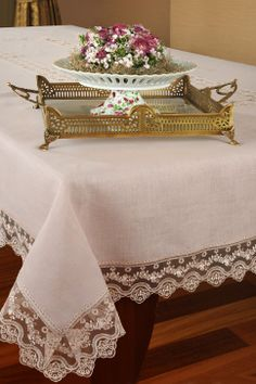 Home ideas – Dekorationsideen Crochet Tablecloth, Linen Tablecloth, Table Linens, Tablecloths, Chair Covers, Table Covers, Egyptian Cotton Duvet Cover, Burlap Table Runners, Boho Bedroom Decor