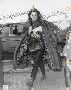 Carolina do Monaco. Grace Kelly, Patricia Kelly, Hermes Bolide, Monaco Royal Family, Sweet Caroline, Princess Caroline, Royal Style, Royal Fashion, Royal Families