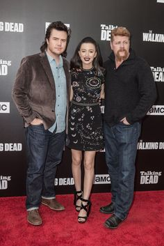 Norman Reedus and Andrew Lincoln Hold Hands, Melt Hearts at The Walking Dead's Premiere Walking Dead Premiere, The Walking Dead Tv, Eugene Porter, Daryl And Rick, The Walkind Dead, Friday Humor, Funny Friday, Grumpy Cat Humor, Meme Comics