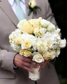 white and yellow bouquet--for the bride pale yellow roses