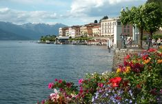 The Tour Italy Now Northern Lakes Italy Tour is perfect for your second trip to Italy. You don't want to miss places like Lake Como and Bellagio. Beautiful Villas, Beautiful Places, Comer See, Lake Como Italy, Italian Lakes, Italy Tours, Voyage Europe, Northern Italy, Italy Vacation